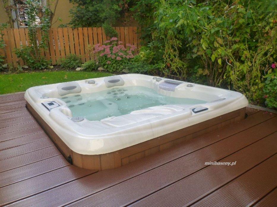 sundance spas minibaseny spa galeria minibaseny spa sundance spas. Black Bedroom Furniture Sets. Home Design Ideas